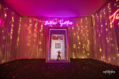 Mirror Photo Booth Yarra Valley – 5 Reason To Have One At Your Wedding Reception