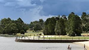 Lilydale Lakes Wedding Ceremony Locations (4)