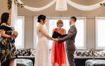 Yvonne Robertson Wood – Marriage Celebrant Melbourne